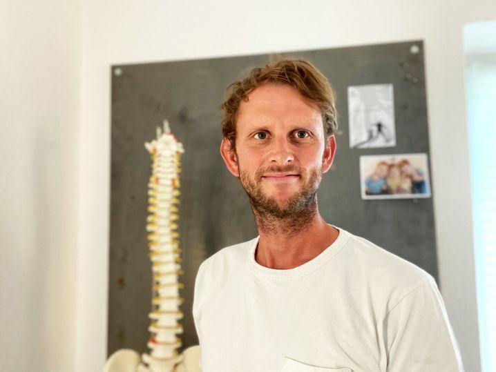 Osteopath David Wenkel