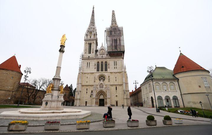 Kathedrale mit beschädigter Spitze