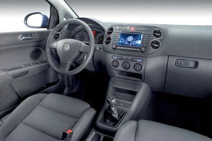 Golf-Plus-Armaturen: Aufgeräumt und ordentlich - typisch VW