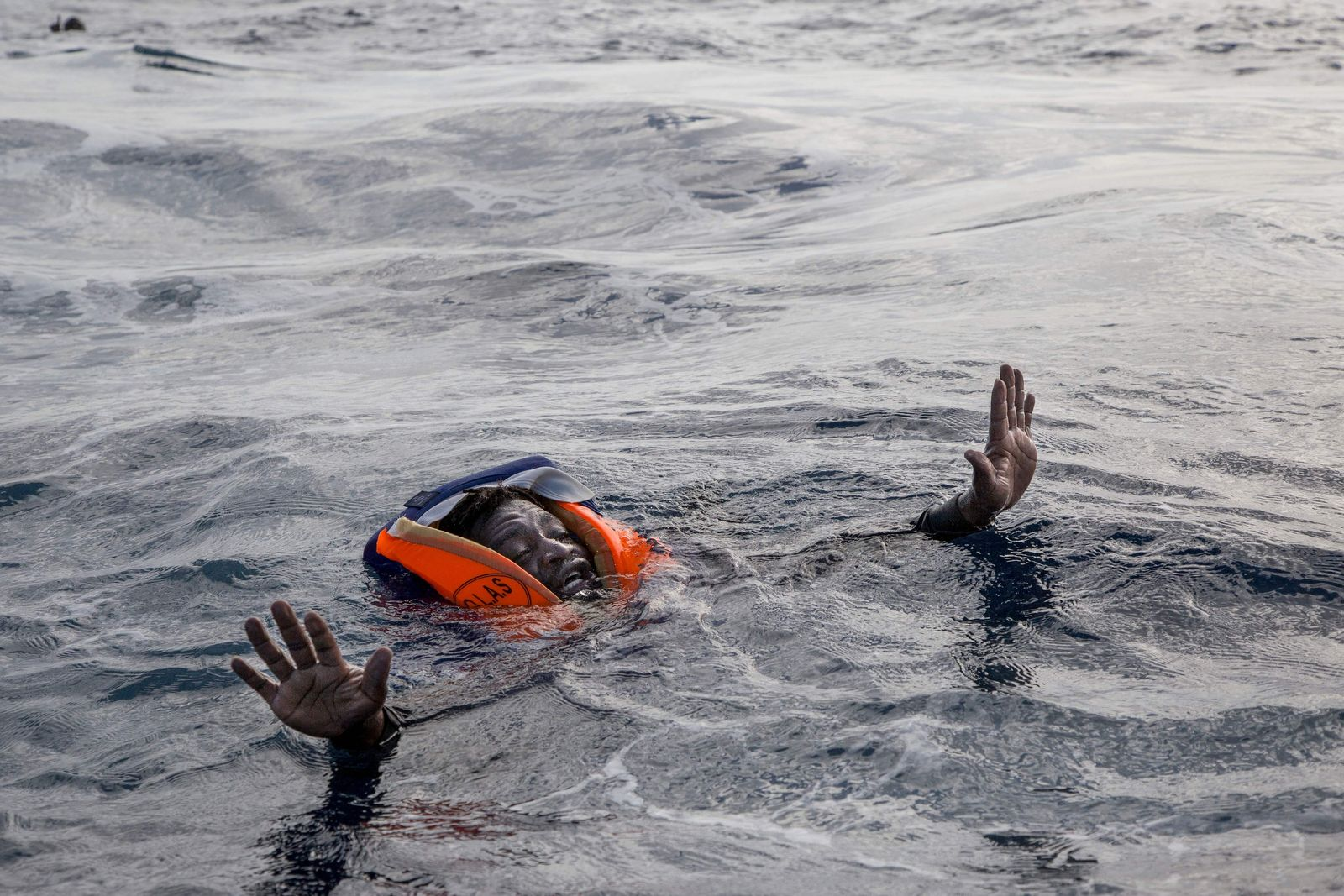 EUROPE-MIGRANTS-LIBYA-ITALY-NGO-AFP PICTURES OF THE YEAR 2017