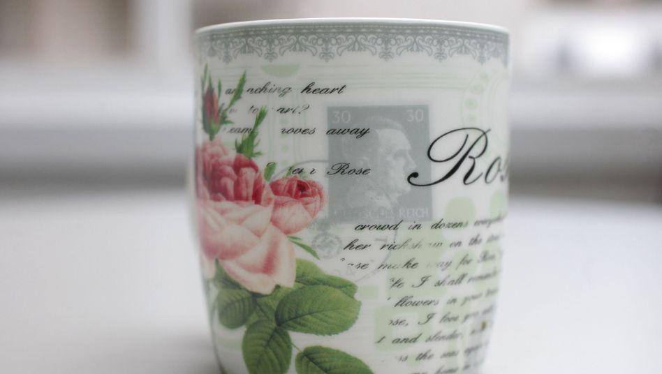 Tasse mit Hitler-Motiv: Versehentlich in Möbelhaus verkauft