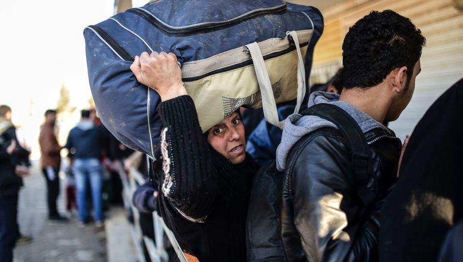 """Syreran der Grenze zur Türkei: """"Wir sind wütend auf die ganze Welt!"""""""