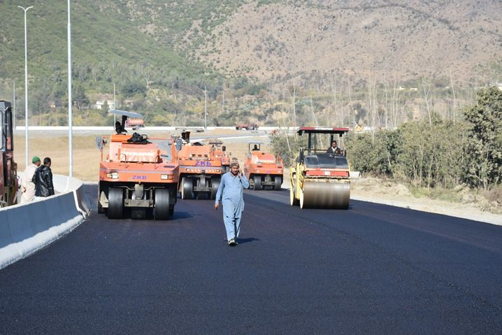 Straßenbau in Pakistan