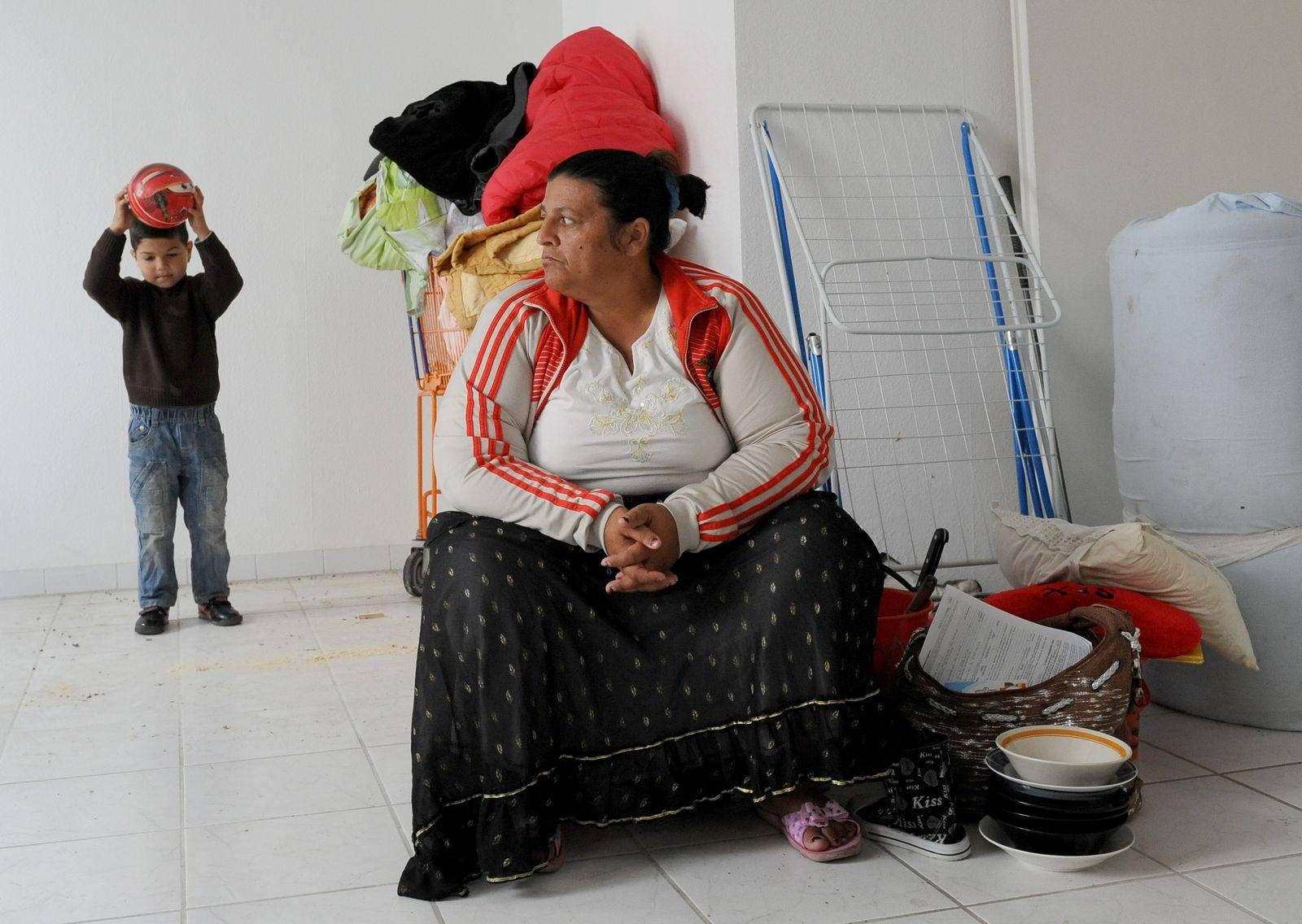 Roma-Familie zieht in Wohnung