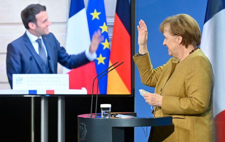 So sah die letzte »Begegnung« von Angela Merkel und Emmanuel Macron im Februar 2021 im Kanzleramt aus