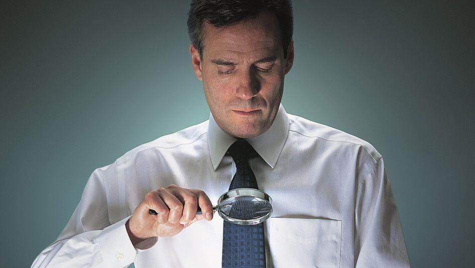 Bewerber unter Beobachtung: Manche Unternehmen treiben's bunt