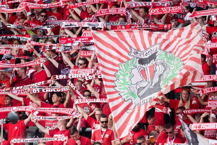 Fans von Rot-Weiß Erfurt
