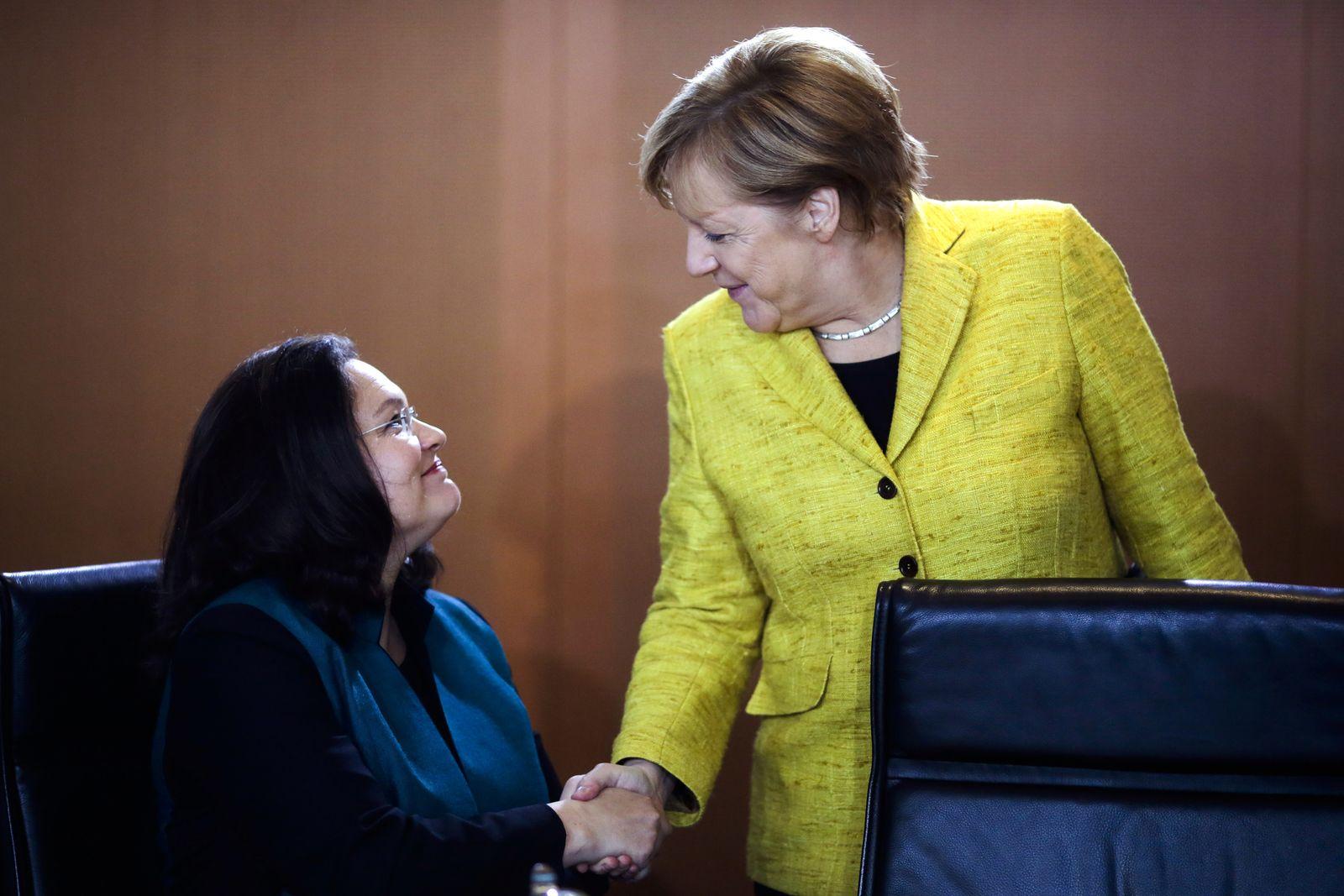 EINMALIGE VERWENDUNG SPIEGEL PLUS SPIEGEL 11/2018 S.26 Nahles Merkel STARTBILD