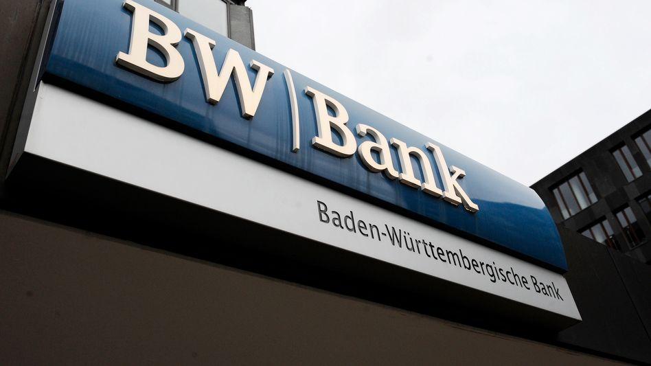Zentrale der BW-Bank in Stuttgart: Wulff-Darlehen soll überprüft werden