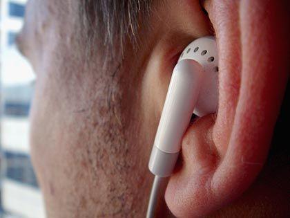 Musikhören: Schlaganfallpatienten erholten sich schneller.