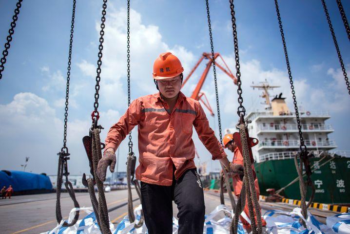 Hafen in der chinesischen Stadt Zhangjiagang