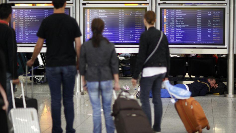 Fluggäste in Frankfurt