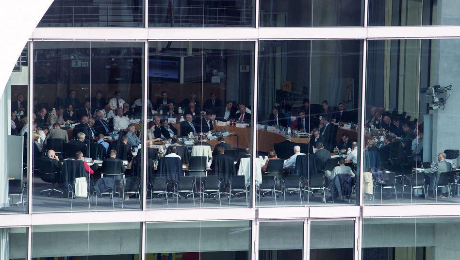 AfD-Bundestagsfraktion während ihrer ersten Sitzung in Berlin