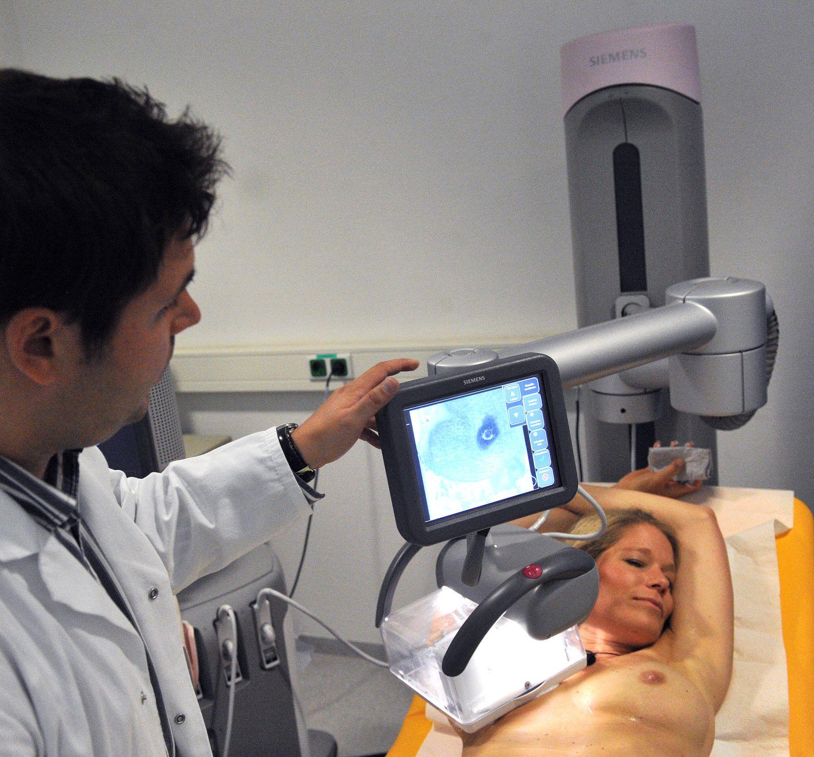 KaSP Ärztetypen / Gynäkologe / Ultraschall-Brustscanner zur Krebsdianose