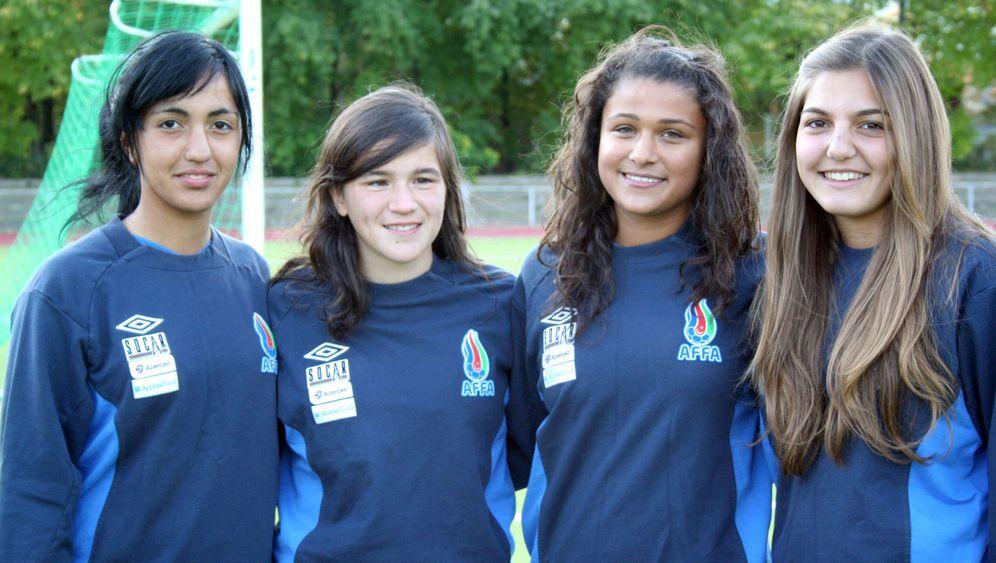 Schülerinnen spielen für Aserbaidschan: Plötzlich Nationalspielerin