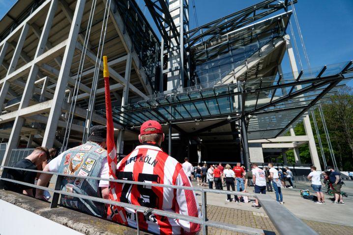 Kölner Fans müssen auch am letzten Bundesligaspieltag draußen bleiben
