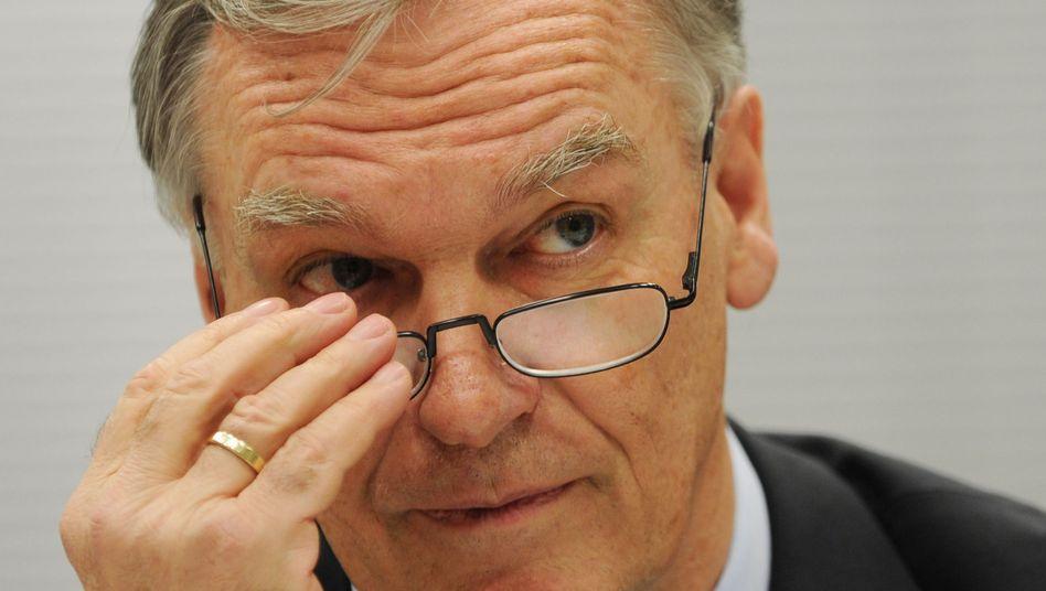 BKA-Präsident Jörg Ziercke: Strafanzeige wegen des US-Drohenangriffs in Pakistan