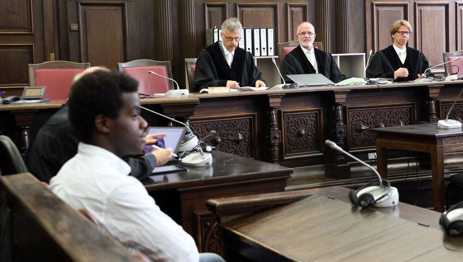 Harry S. vor Gericht