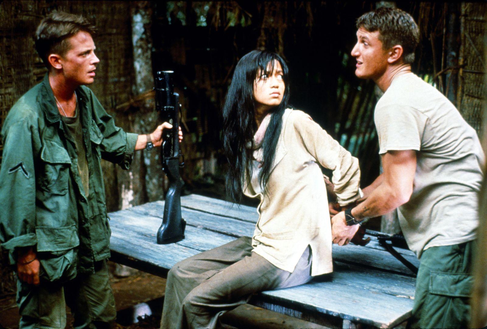 Michael Verhoeven - CASUALTIES OF WAR, Michael J. Fox, Thuy Thu Le, Sean Penn, 1989, (c) Columbia/courtesy Everett Colle