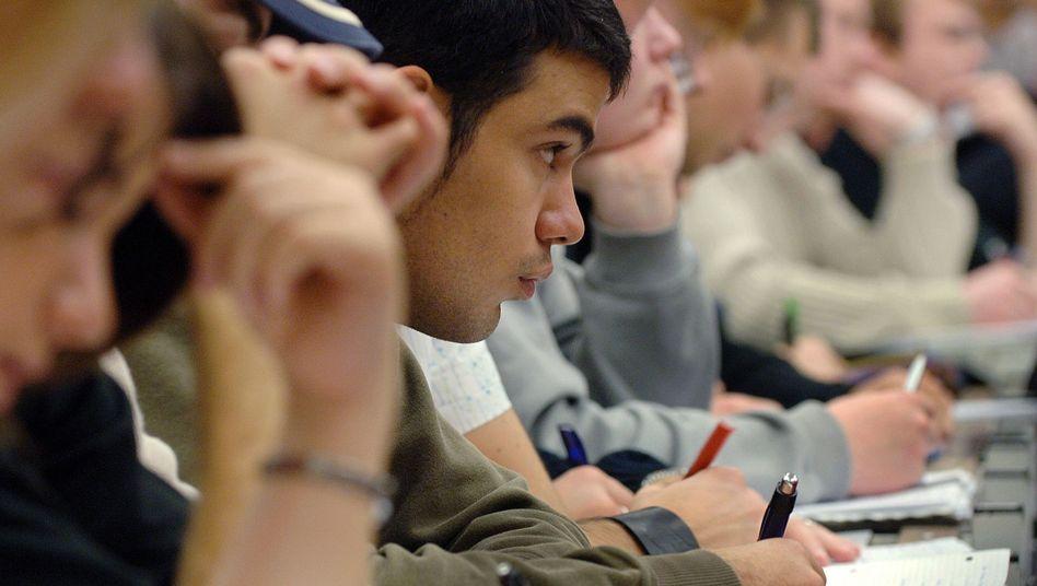 Studenten an der Uni Köln (Archivbild): Diskriminierung führt zu Frust