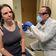 Erste Testperson erhält möglichen Corona-Impfstoff