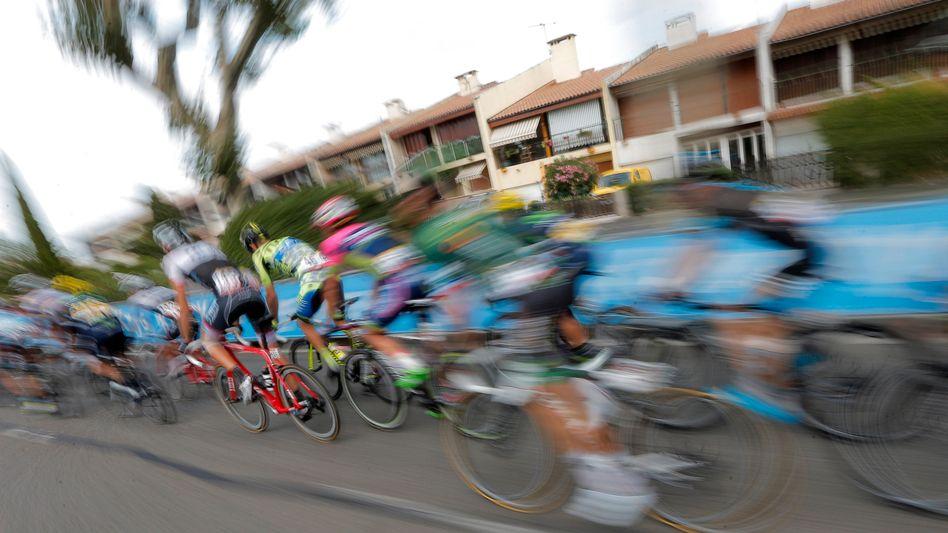 Tour-de-France-Fahrer in Valence am 19. Juli 2015