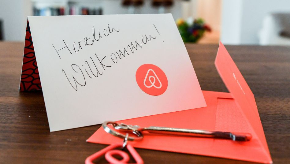 In der Wohnung eines Airbnb-Gastgebers (Symbolbild)