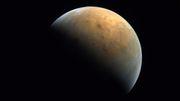 Marssonde »Hope« sendet erstes Bild vom Roten Planeten