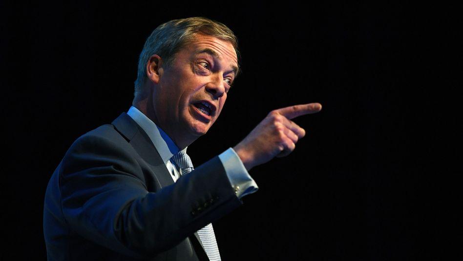 Nigel Farage: Den No-Deal-Brexit wieder ins Spiel bringen