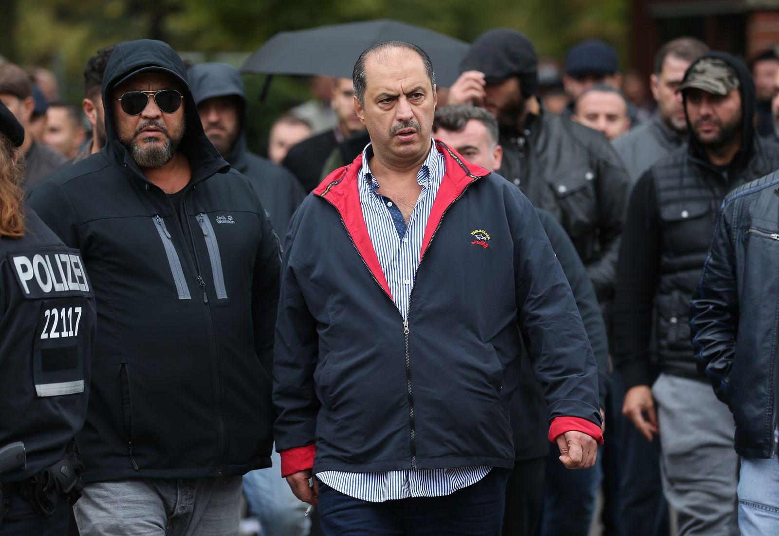 EINMALIGE VERWENDUNG Clan/ Mahmoud Al-Zein