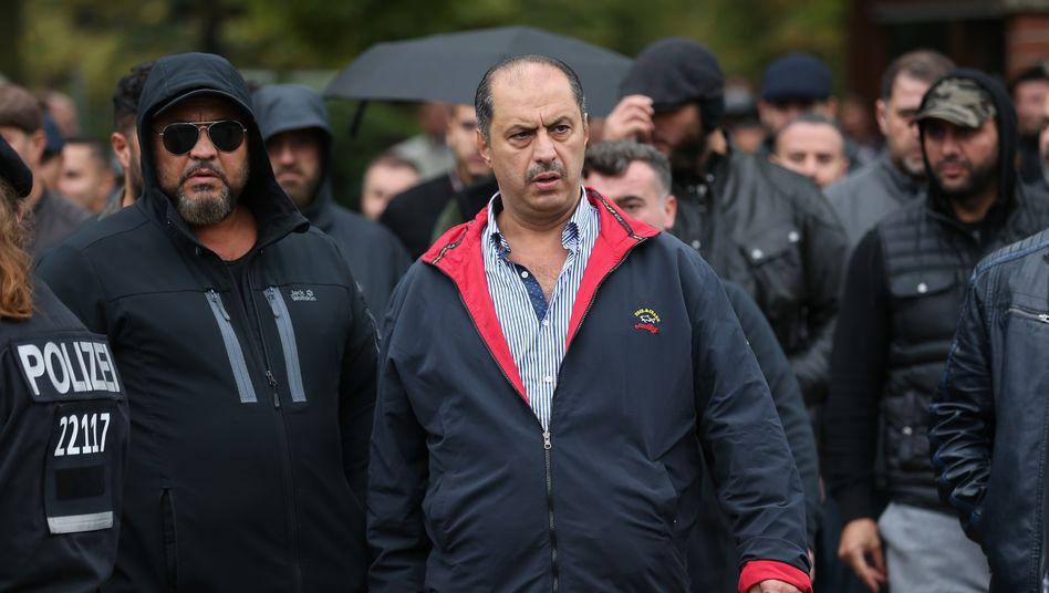 Clanchef Mahmoud Al-Zein bei einem Begräbnis in Berlin