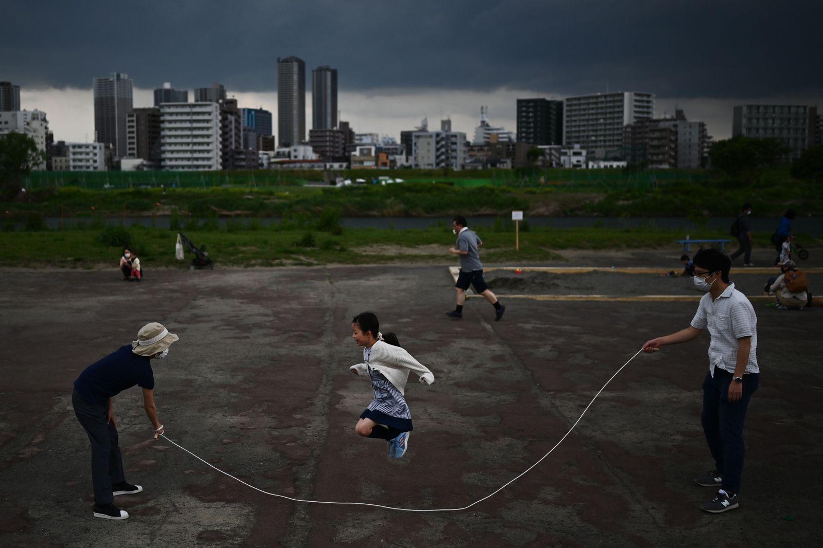 TOPSHOT-JAPAN-LIFESTYLE