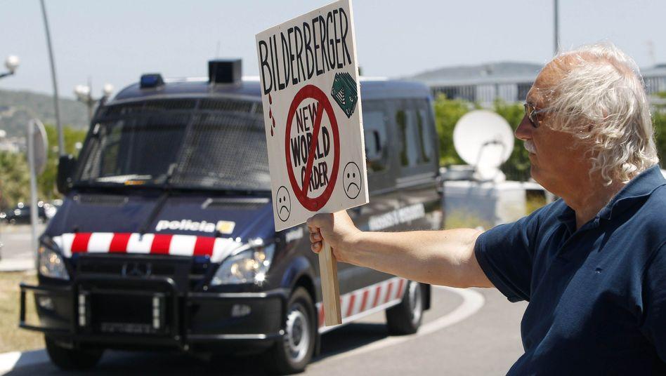 Protest gegen Geheimtreffen: Bilderberg-Gruppe trifft sich in Spanien