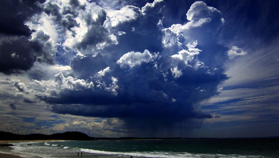 Sturm nahe Sydney, Australien: Grollende Klimaforscher