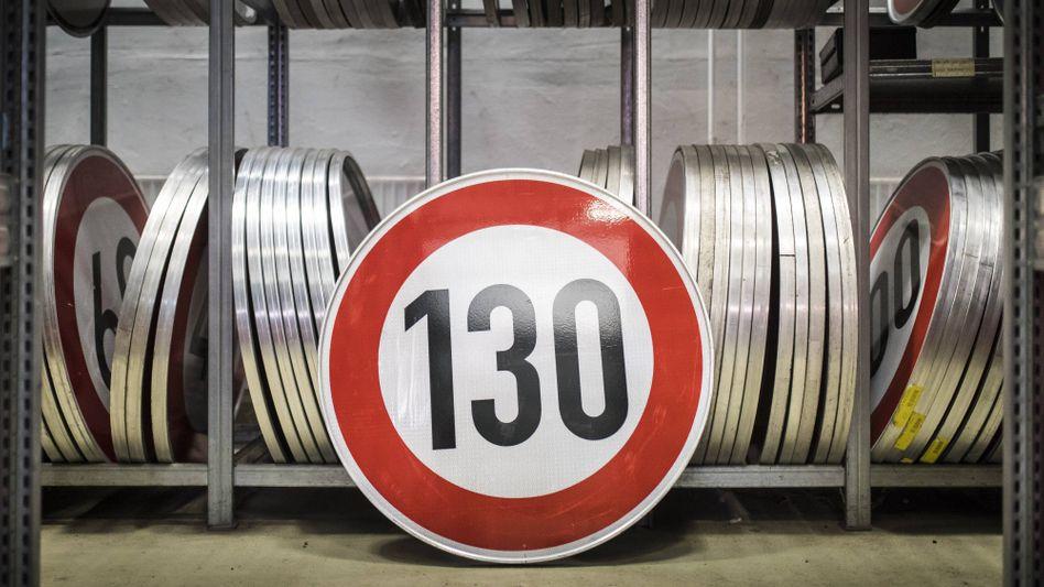 """Verkehrsschild zur Tempobegrenzung auf 130 km/h: """"Selbst der ADAC ist dafür"""""""