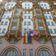 Amerikaner und Briten lassen Regenbogenfahne flattern