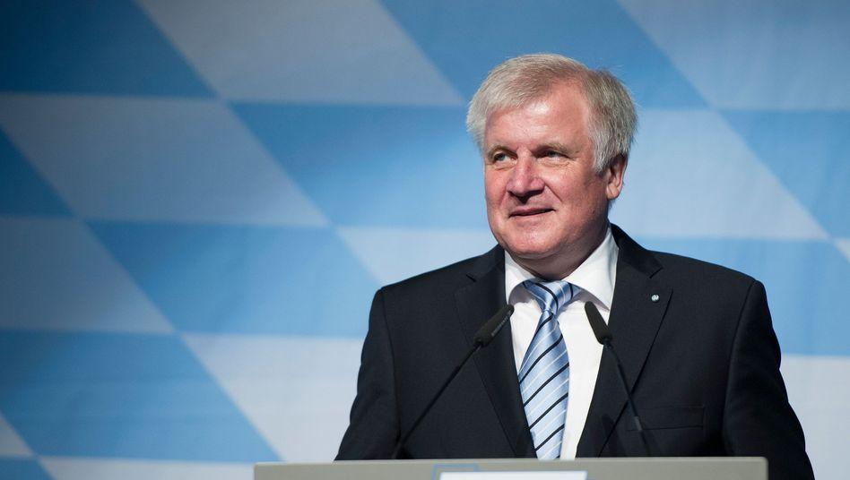 Seehofer: Wahlkampf mit ausländerfeindlichen Ressentiments