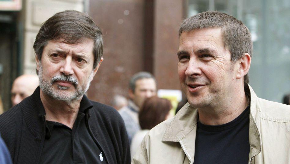 Baskenführer Otegi (r.) mit Mitstreiter Diez: Lange Haftstrafen in Spanien