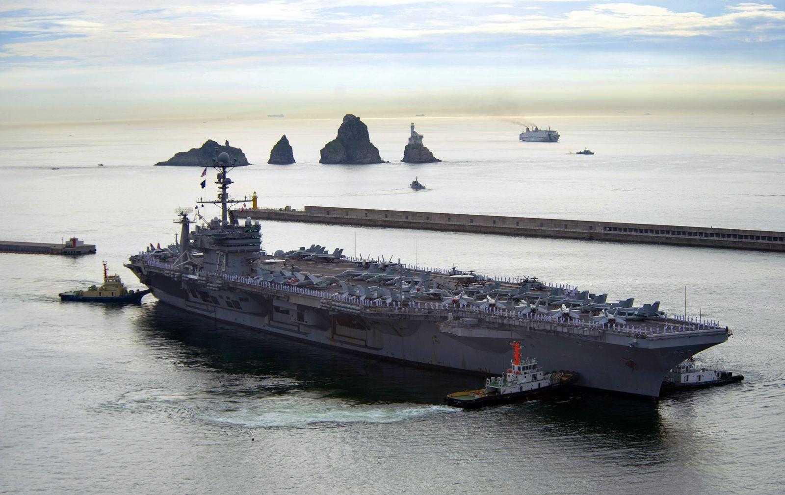"""Flugzeugträger """"George Washington"""" / Südkorea"""