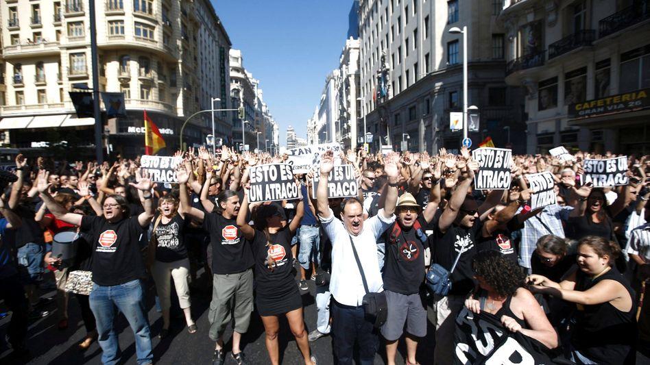 Proteste in Madrid (15. Juli 2012): Merkel weist Kritik an Sparvorgaben zurück