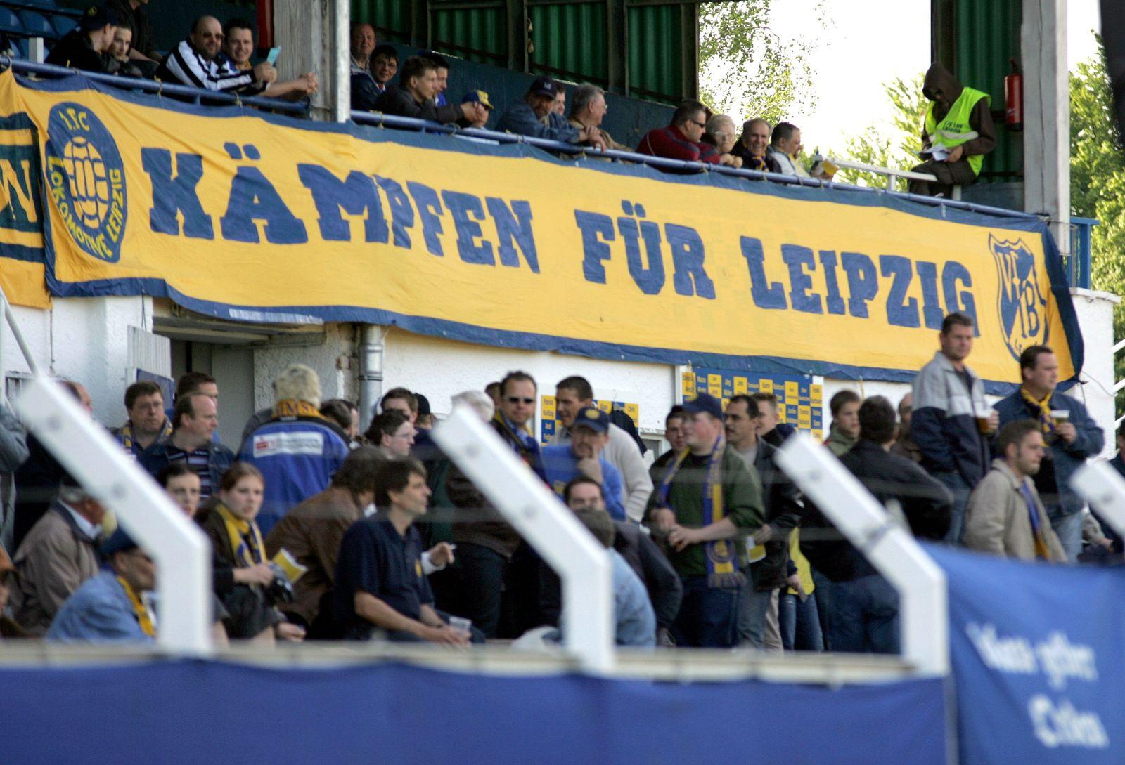 Fußball: Leipziger Fans mit Transparent