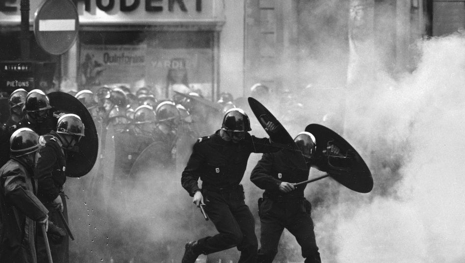 Polizeieinsatz während einer Studentendemonstration am 6. Mai 1968 in Paris