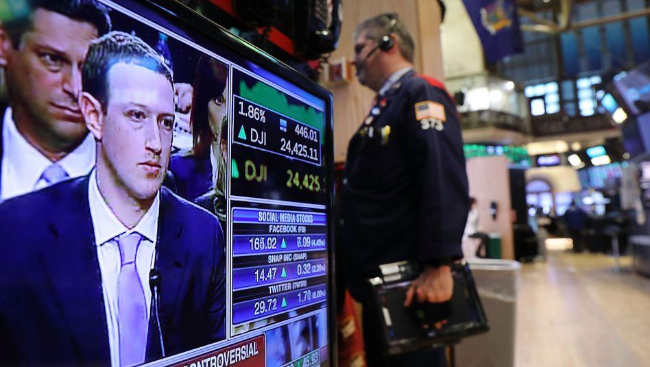 Fernsehbildschirm in der New Yorker Börse
