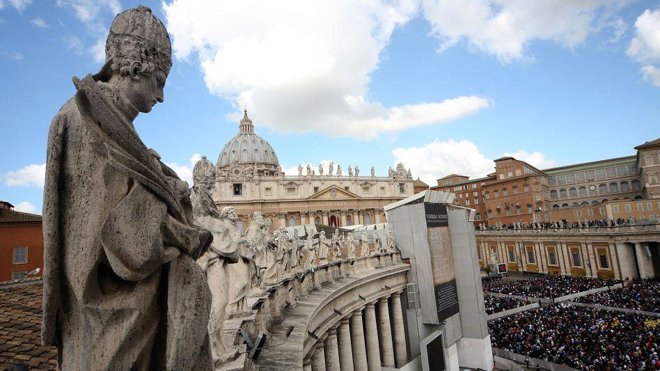 Petersplatz in Rom: Neue Zahlen aus dem Vatikan