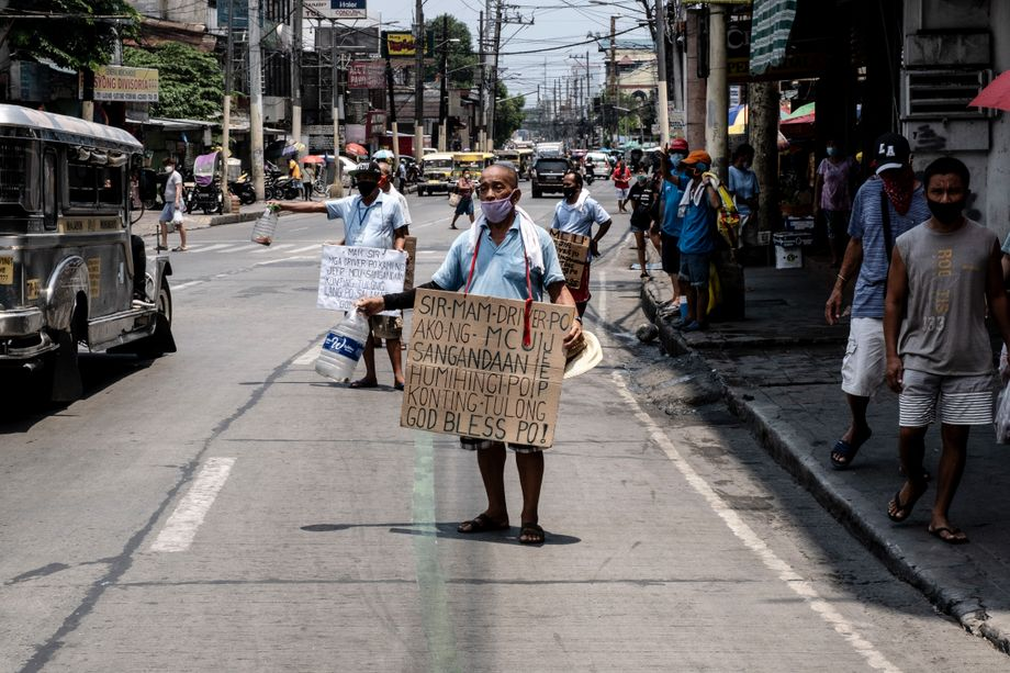 Jobless Jeepney drivers in Caloocan: No help from the government. No food. Nothing.
