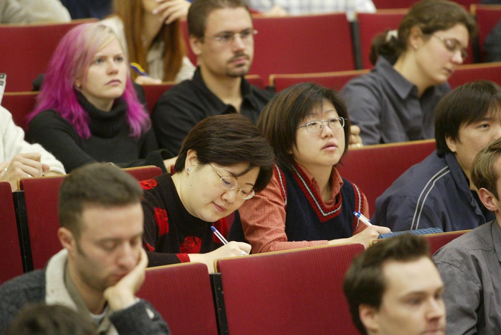 NICHT VERWENDEN Ausländische Studenten