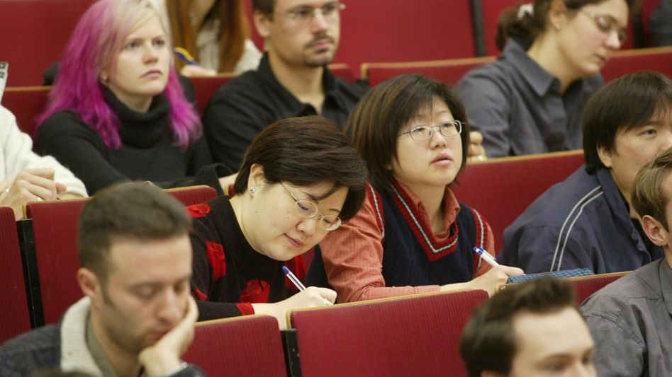 Chinesische Studenten in Leipzig: Verschulung tut der Abbrecherquote gut