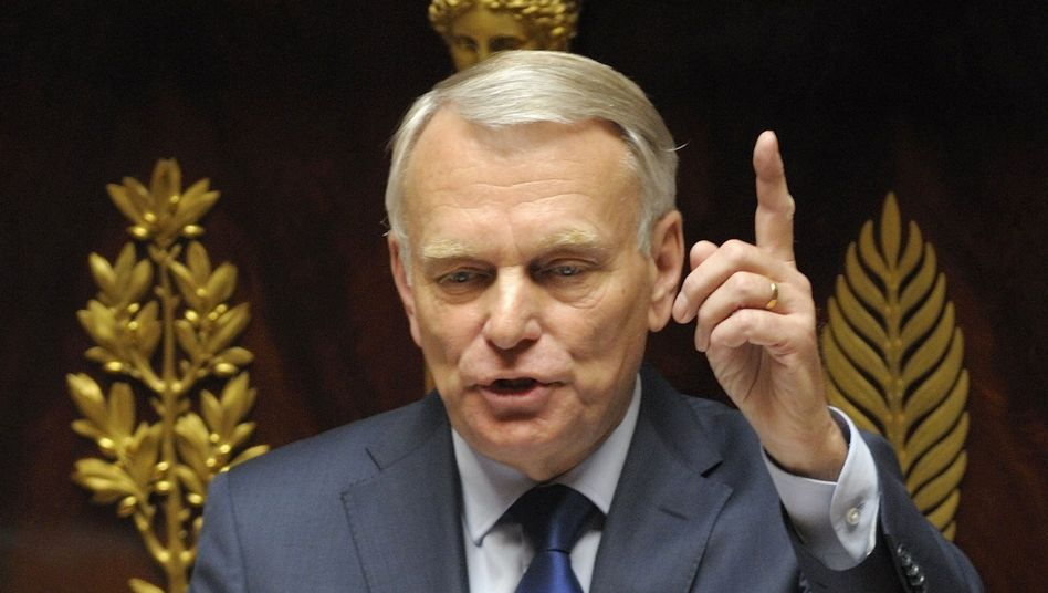 French Prime Minister Jean-Marc Ayrault gave a speech on the new Socialist government's economic plans before the National Assembly on Tuesday.