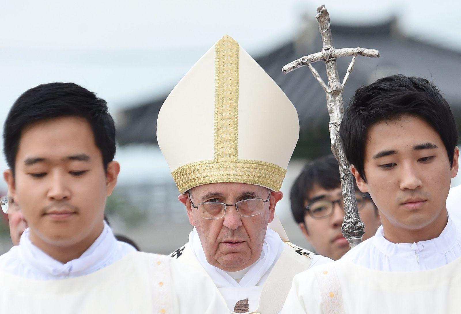 Papst Franziskus reist nach Asien
