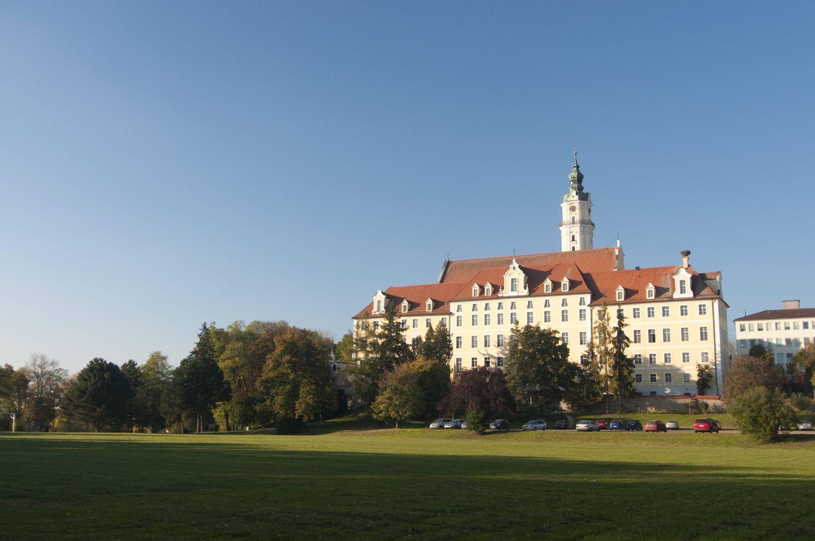EINMALIGE VERWENDUNG Kloster Heilig Kreuz in Donauwörth